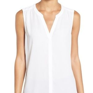 New NYDJ Pleat Back Sleeveless Split Neck Blouse